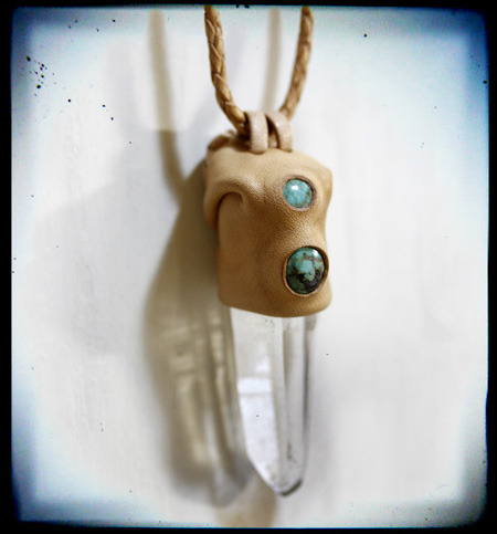 LEATHER-TUNA-0128-d-pendant3.jpg