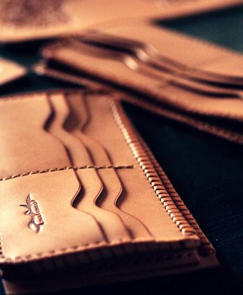 LEATHER-TUNA-0501-long-wallet-full-custom5.jpg
