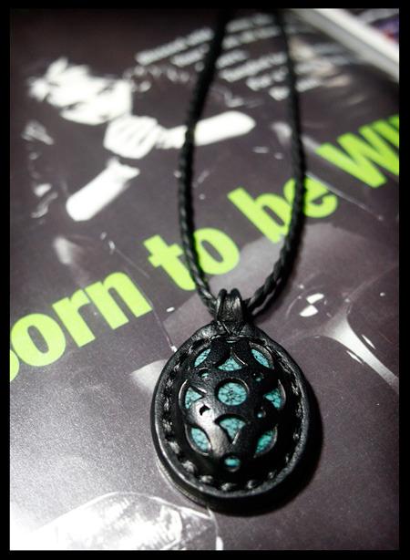 LEATHER-TUNA-0808-pendant.jpg