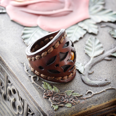 LEATHER-TUNA-1001-ring-choko2.jpg