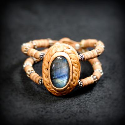 LEATHER-TUNA-1118-bracelet3.jpg