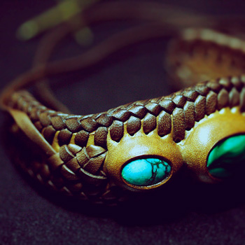 LEATHER-TUNA-1202-bracelet2.jpg