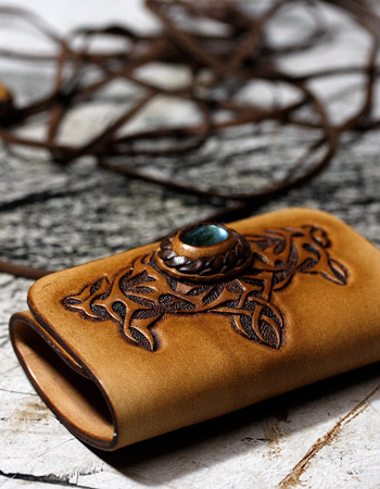 LEATHER-TUNA-1207-keycase.jpg