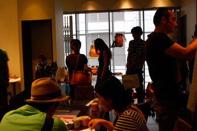 LEATHER-TUNA-展示会2011.jpg