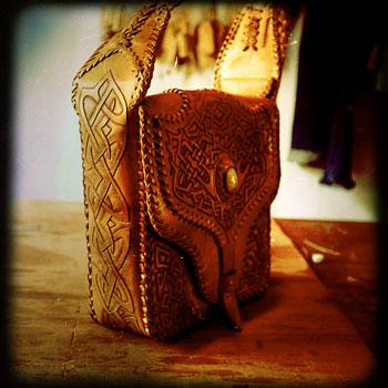 LEATHER-TUNA-Goa-shoulder-bag1.jpg