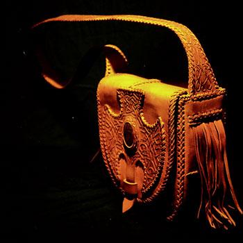 LEATHER-TUNA-Goa-shoulder-bag2.jpg