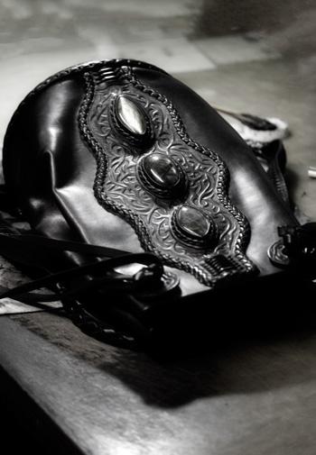 LEATHER-TUNA-backpack-black2.jpg