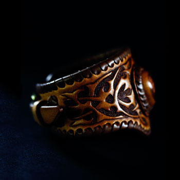 LEATHER-TUNA-custom-bangle2.jpg