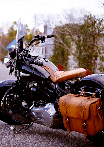 LEATHER-TUNA-custom-bike-seat11.jpg