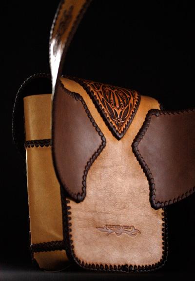 LEATHER-TUNA-custom-holder4.jpg