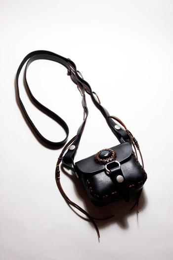 LEATHER-TUNA-koen-bag-black2.jpg