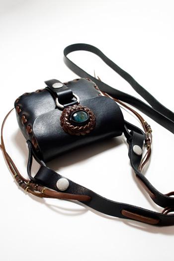 LEATHER-TUNA-koen-bag-black5.jpg