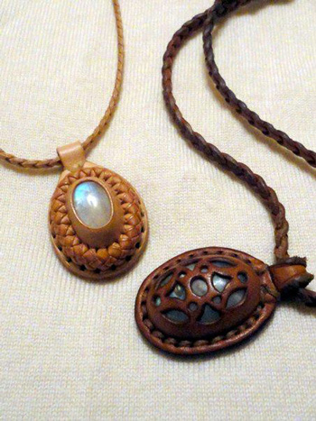 LEATHER-TUNA-pendant.jpg