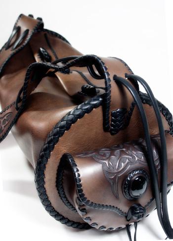 LEATHER-TUNA-roundbag-custom2.jpg