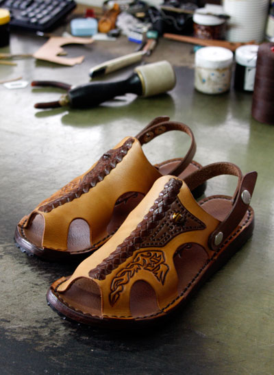 LEATHER-TUNA-sandal-0902custom.jpg